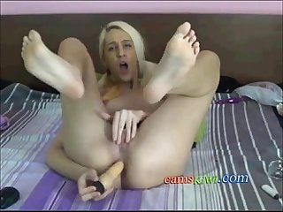 Blonde from camskiwi com feet and play game