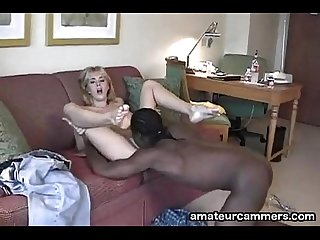 Deep creampie for white pussy from black cock http colon sol sol amateurcammers period com