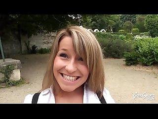 Liona comma la petite blonde aime les bites de black