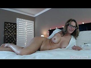 Milf on live Web cam