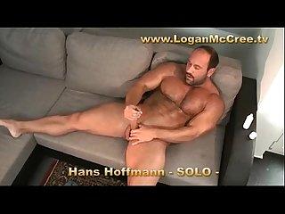 Hans hoffmann solo short