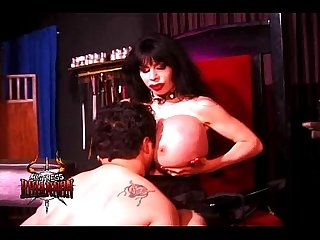 Mistress rhiannon has a lucky slave