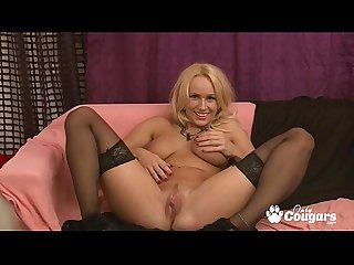 Angel Wicky Spreads Her Big Floppy Pussy Lips