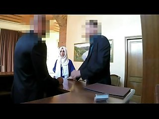 Beautiful arab woman strange encounter http bit ly 2bfkxq9
