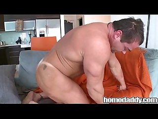 Homodaddy body builder doing cock