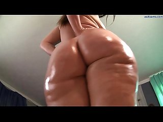 Big oiled ass twerking on webcam paxcams com