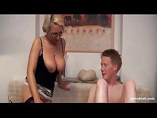 Anal sexunterrischt mit der versauten tante pornblub com
