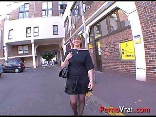 Coralie baise en cachette de son mari french amateur