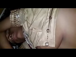 Desi wife Jhansi sleeping carelessly nipple show