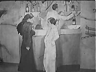 Nudist Bar - 30s France