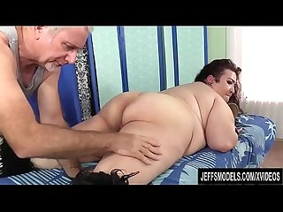 A Sex crazed masseur rubs down bbw moon Baby S Fat body and fleshy cunt