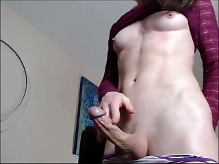 TS with hot body jerking on cam - TScamdolls.com