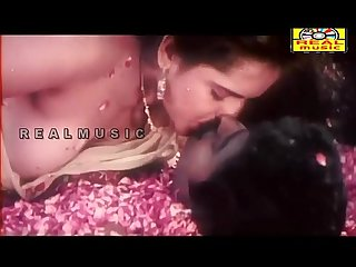 Mallu Reshma Aunty Nipple and lips Sucking..you will CUM