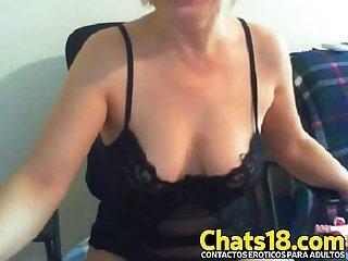 Que Rico culo tiene esta Madura que desnuda muestra todo