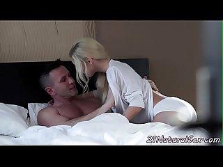 Cocksucking classy babe enjoys morning sex