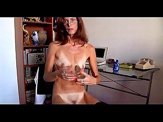 Dry empty saggy tiny tits mature masturbates1