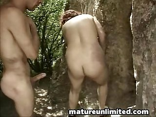 Moms doggystyle fuck outdoor