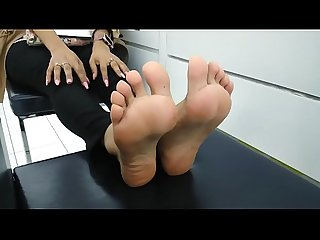 Stinky Smelly Sexy Arabic Feet Part 1- www.prettyfeetvideo.com
