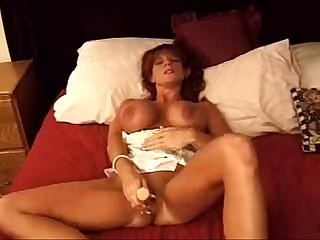 Sexy girl play with big dido nice
