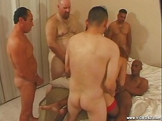 6-guys-and-a-tranny-scene2