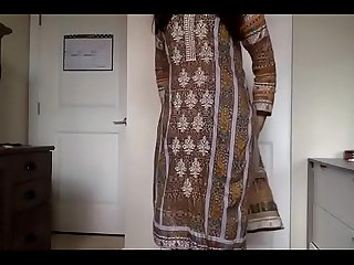 Hot desi girl nude show to boyfriend