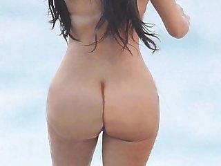 Khloe, Kourtney Kardashian, & Kendall Jenner Naked:..