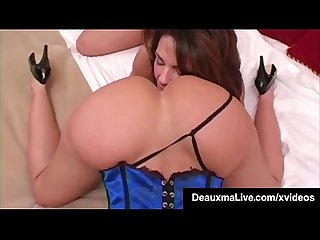 Sex Hungry Milfs Deauxma & Janet Mason Worship Their Bodies!
