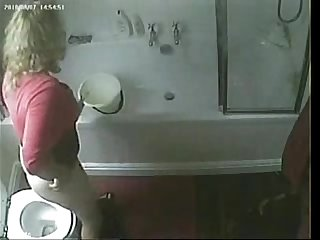 Now i know what my mom usually do on Toilet hidden cam