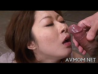 Pretty mom loves her mouth on jock