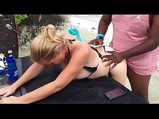Instagram period com sol weedclase rubia recibe leche de tres machos alfas en la playa brutal orga