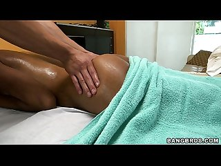 Indian girl gets oil massage