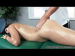 Massage loving raven jerking masseur