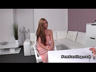 Amateur gets pussy vibrated in casting