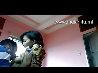 www.indian4u.ml - Indian Desi Babe Roshni Juicy Boobs Sucked gives Blowjob to bf