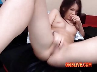 Cutey brunette enjoying omblive vibe make her crave even more