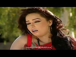 Hot girl sheeza new Pakistani Mujra 2014