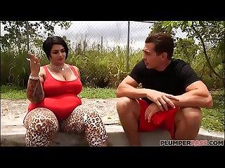 Huge Tit MILF Erika Xstacy Runs Into Huge Cock
