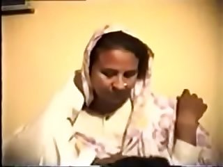 Shy Reluctant Desi Aunty gets Fucked on Video for Money