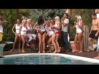 Geile sexy poolparty mit pornostars deustch gerrman