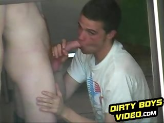 Horny cocksucker gets caught in the middle of the action