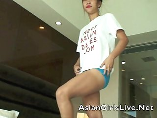 www.filipina.webcam Asian Pinay stripper in the hotel stripping live for men.