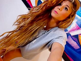 Hot teen tranny cam tease danse more on noxcams com
