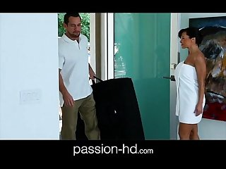 Lisa Ann office massage bang