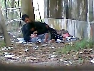 Desi cute indian lover sucking big cock in public park
