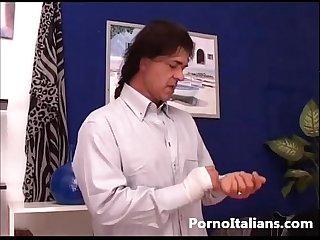 Bionda matura italiana gode con cazzo duro italian porn milf