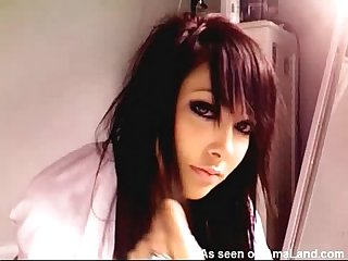 Hot emo touching her pussy on cam