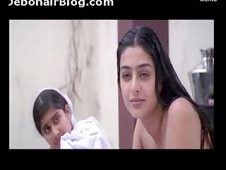Aishwarya Tabu bathing