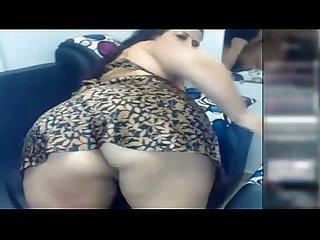 Sexy Madurita de Bongacams muestra su sexy culito