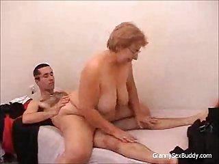 Granny with glasses gets fucked