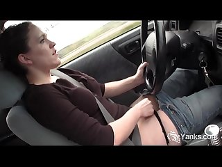 Sexy Yanks Lou Lebonne Cums in the Car
